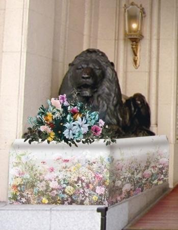 フラワーライオン像